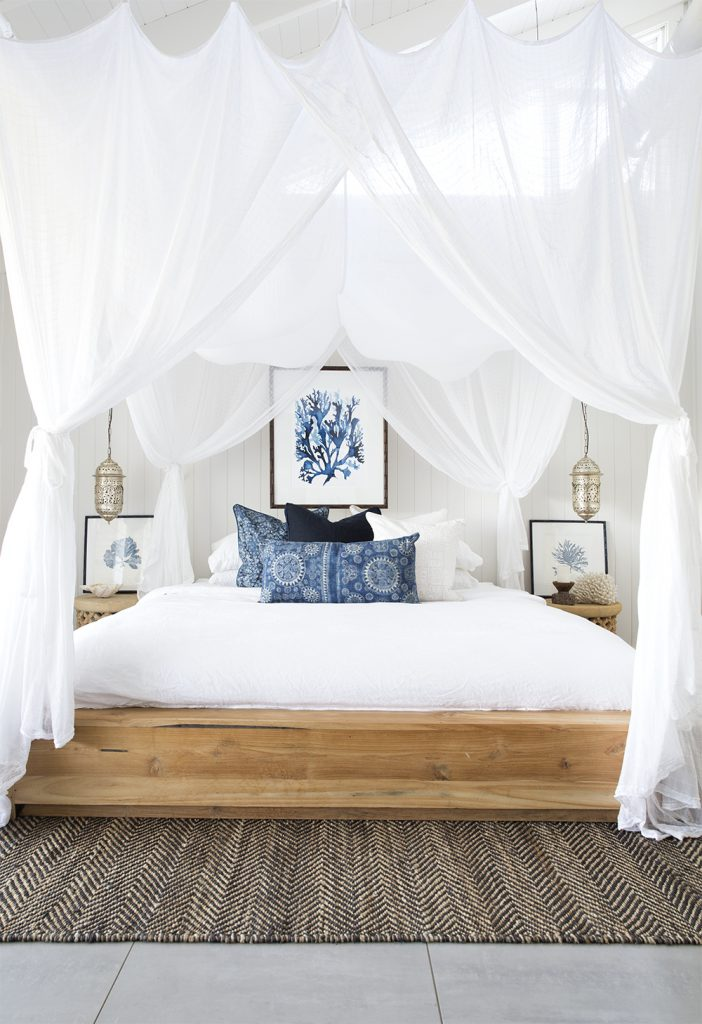 Coastal-Master-Bedroom-interior-Design